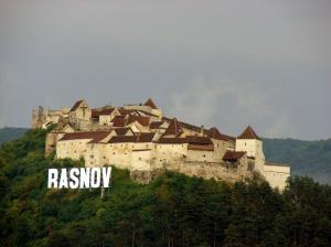 Cetatea-Rasnov-1