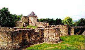 Cetatea_de_Scaun_a_Sucevei_by_Minoniu